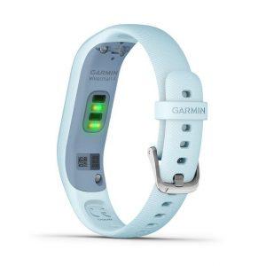為更準確量測體內的血氧濃度,vívosmart 4配備先進的Pulse Ox血氧感測功能。其實個人整體健康和體能狀態等多項因素都能影響Pulse Ox感測值。用家可隨時隨地使用這功能進行感測或開啟睡眠Pulse Ox血氧感測功能,記錄睡眠時的SpO2變化。vívosmart 4更能夠追蹤並記錄你整晚睡眠的深淺時段、REM快速動眼期以及翻身動態。你只需使用Garmin Connect™App,即可隨時檢視和比較你的睡眠統計數據,包括睡眠Pulse Ox血氧感測功能所測出的血氧濃度。